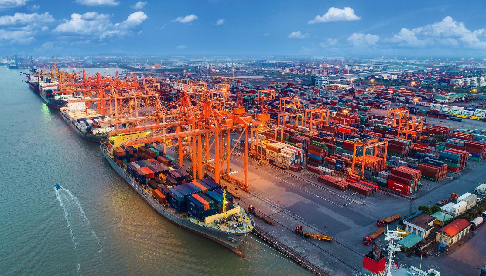 Hải Phòng giảm phí cảng biển